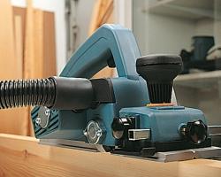 Подключение внешнего пылеудаляющего аппарата. Осуществляется при помощи шланга D27 мм (опционально).