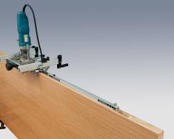 Обработка дверной коробки и дверного полотна осуществляется без переналадки.
