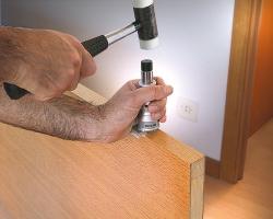 С устройством для формирования угла петли RC29M возможно получить углы в 90º для установки петель с прямыми углами.