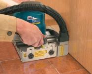 В большинстве случаев, глубина пропила позволяет подрезать дверные полотна за один проход.