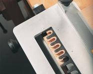 Начальная точка фрезерования шипов регулируется в зависимости от шага.
